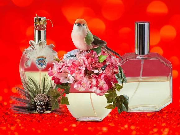 A competition to celebrate the special exhibition Perfume flacons – vessels for seductive fragrances